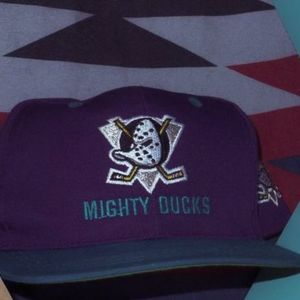 Vintage 90's Mighty Ducks NHL Snapback Hat